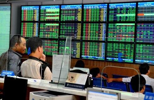 Nhà đầu tư cá nhân dễ mất tiền oan nếu không thận trọng quan sát thị trường.