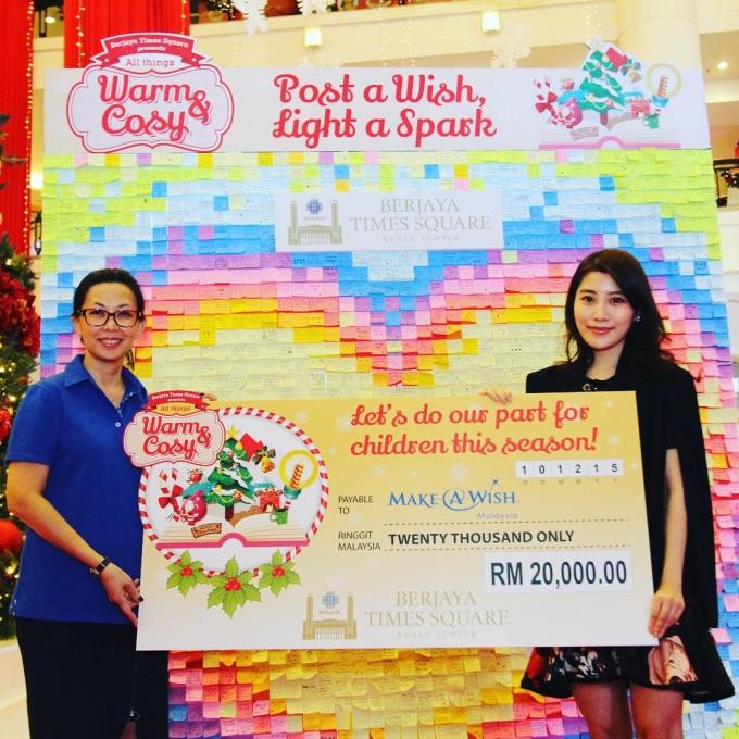 <p> Cô hiện là CEO Berjaya Times Square - trung tâm mua sắm lớn nhất Malaysia.</p>