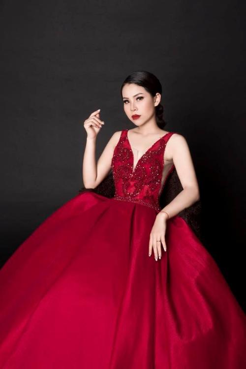 Nữ doanh nhân trẻ Hoàng Quí thành công với thương hiệu Q  Lady (bài xin Edit)