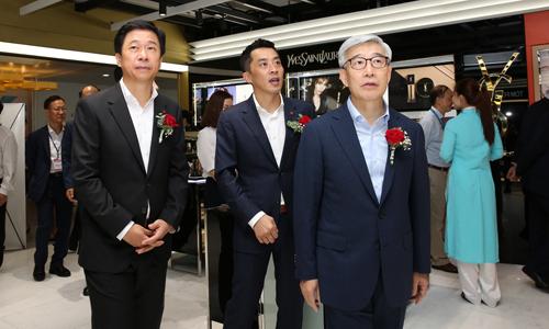 Ông Lee Kap - TGĐ Lotte Duty Free tại lễ khai trương cửa hàng mới tại sân bay quốc tế Nội Bài