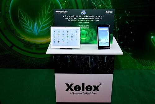 Bộ đôi máy tính bảng dùng cho nông nghiệp của Xelex trong lễ ra mắt sản phẩm.