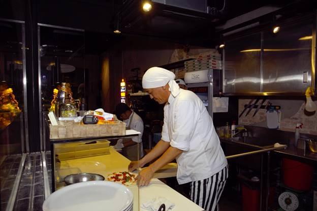 Đầu bếp Logic Pizza - Ông Junichi Shouji