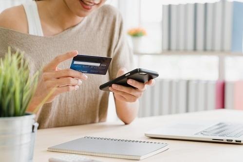 Khách hàng gửi tiết kiệm online tại MSB c