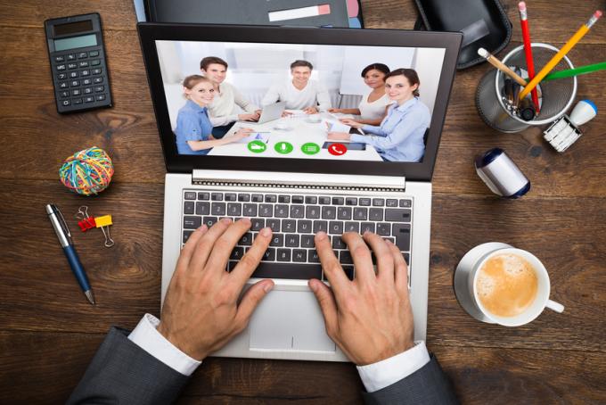 Họp trực tuyến đang phổ biến khi nhiều công ty cho nhân viên làm việc từ xa. Ảnh:Beth Kanter