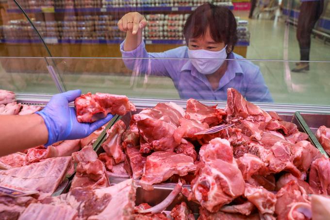 Giá thịt heo siêu thị giảm