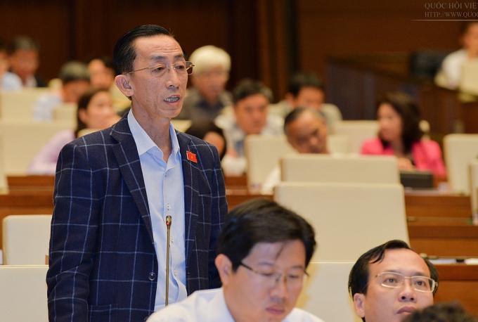 Ông Trần Hoàng Ngân, Viện trưởng Viện nghiên cứu phát triển TP HCM. Ảnh: QH.