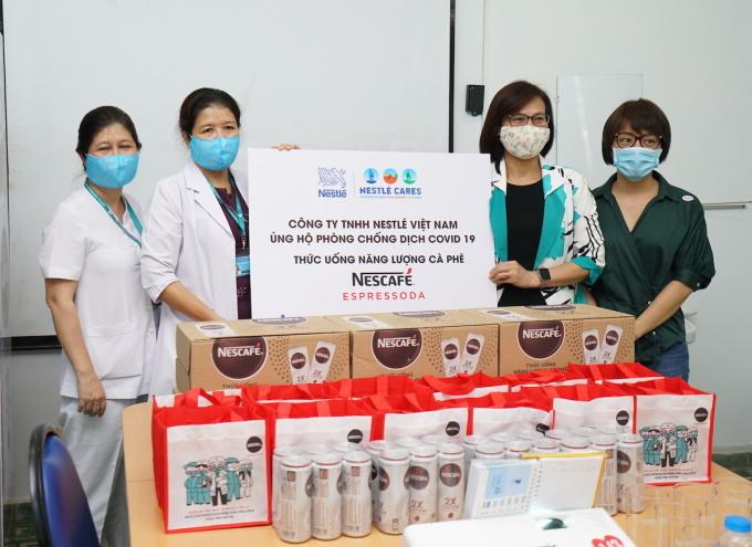 Nescafe gửi tặng 36.000 lonthức uống năng lượng cà phê Nescafe Espressoda cho 6 bệnh viện tại TP HCM và Hà Nội.
