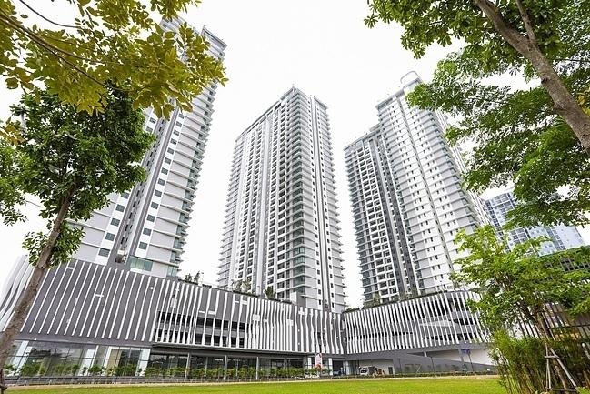 The Zen Residence nằm ở trung tâm Gamuda Gardens gồm 3 tòa căn hộ cao 31, 33 và 35 tầng.