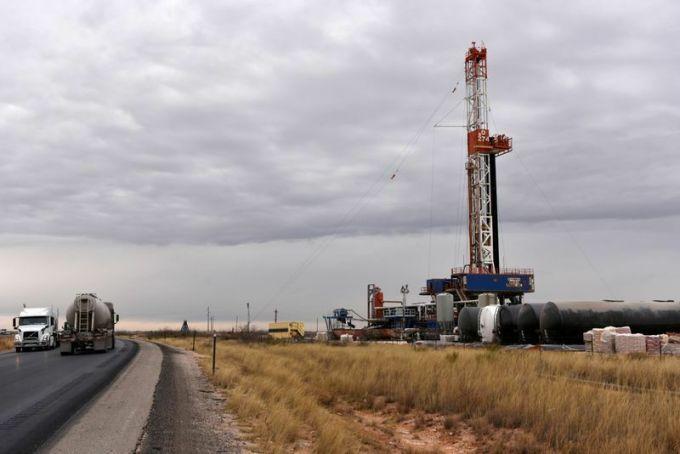 Một giàn khoan dầu tại New Mexico (Mỹ). Ảnh: Reuters