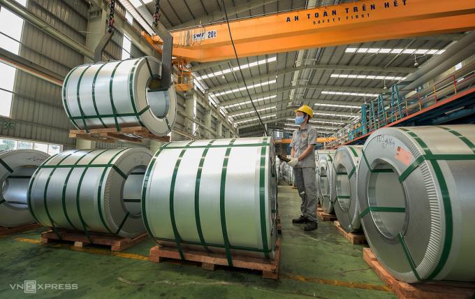 Nhà máy sản xuất thép, ống nhựa Hoa Sen. Ảnh: Phương Đông