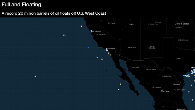 20 triệu thùng dầu đang trôi trên biển tại Bờ Tây nước Mỹ. Ảnh: Bloomberg.