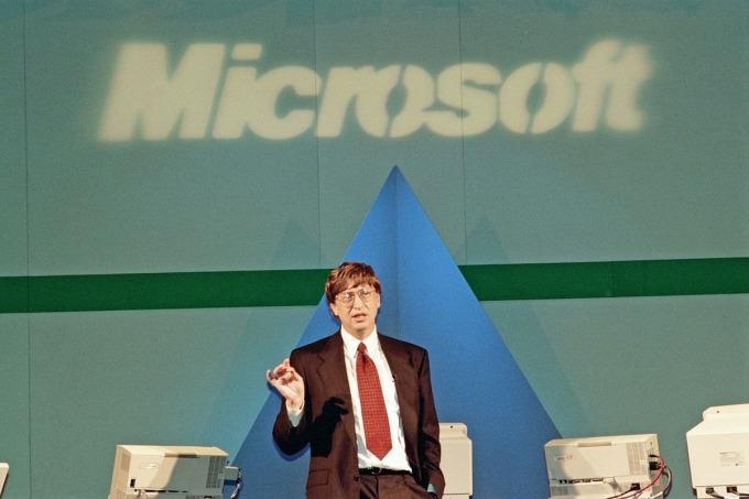 Bill Gates trong buổi nói chuyện với nhân viên năm 1995. Ảnh: Everett Collection