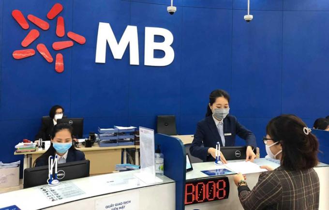 MB hỗ trợ phí dịch vụ giao nhận hồ sơ Grab Express