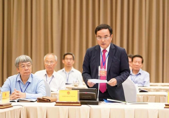 Ông Dương Quang Thành - Chủ tịch Tập đoàn Điện lực Việt Nam (EVN) phát biểu tại Hội nghị Thủ tướng và doanh nghiệp ngày 9/5. Ảnh: Quang Hiếu