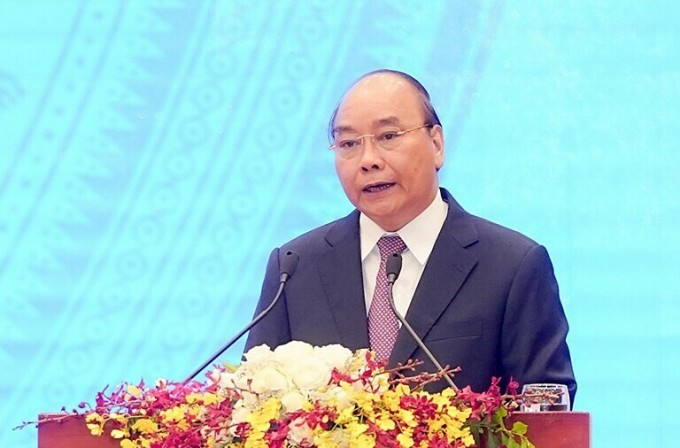 Thủ tướng Nguyễn Xuân Phúc chia sẻ tại hội nghị trực tuyến với doanh nghiệp ngày 9/5. Ảnh: Quang Hiếu.