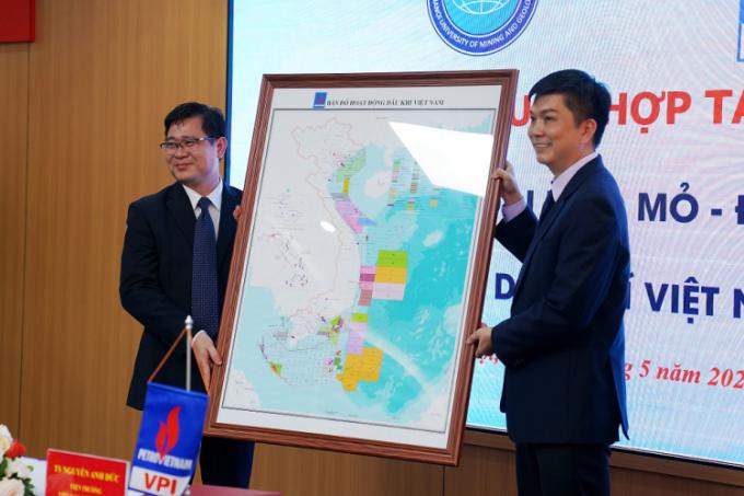VPI mở rộng hợp tác ĐH Mỏ - Địa chất - 2
