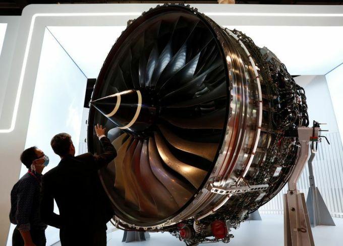 Rolls-Royce cắt giảm 9.000 việc làm