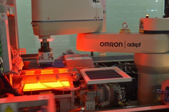 Sản phẩm AE Solar trải qua quy trình sản xuất hiện đại, khép kín.