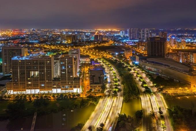 Đại lộ Nguyễn Văn Linh kết nối Bình Chánh với Phú Mỹ Hưng.