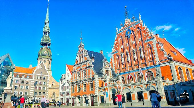 Từ giai đoạn đầu của cuộc khủng hoảng Covid-19, chính phủ Latvia đã bắt đầu các chương trình hỗ trợ nhằm tránh sự sụp đổ kinh tế ở nhiều hạng mục khác nhau.
