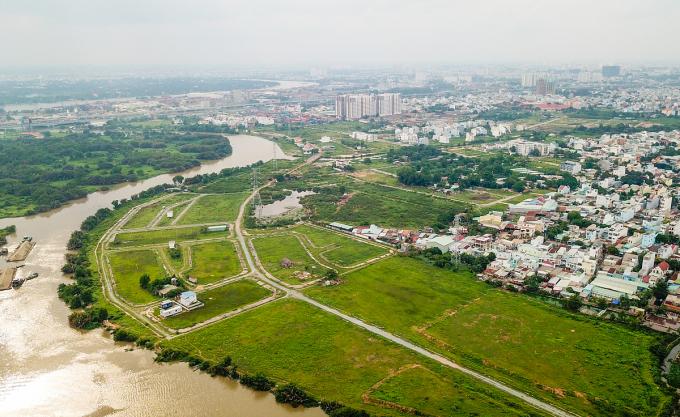 Các dự án bất động sản bỏ hoang tại quận 9, TP HCM. Ảnh: Như Quỳnh.