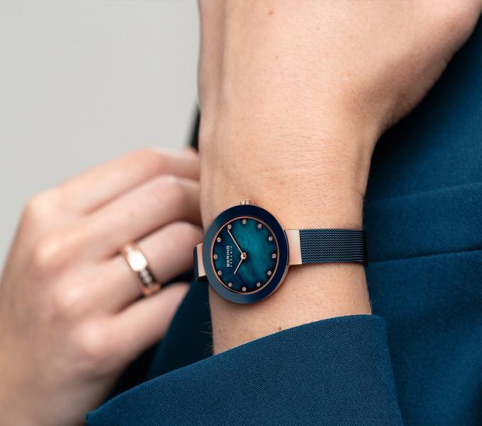 Bering: cảm hứng từ vẻ đẹp phương Bắc - những chiếc đồng hồ tái định nghĩa thời gian với tình yêu dành cho sự tinh giản cổ điển,thanh lịch thuần khiết cùng vẻ ngoài tươi sáng và bền bỉ nhất.