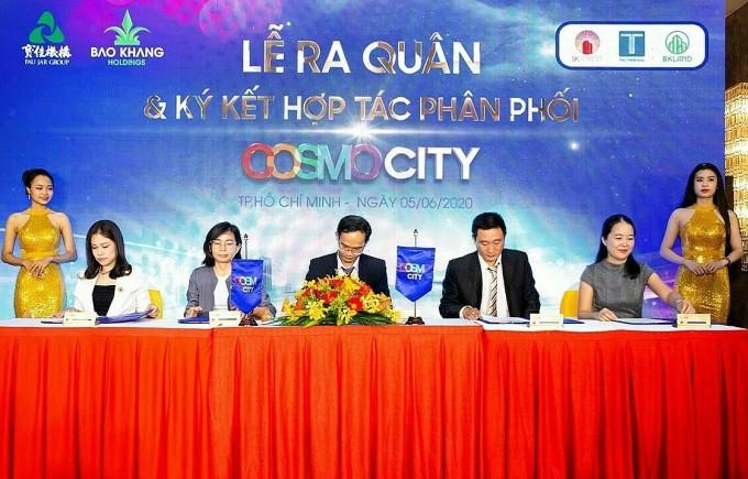 Bảo Khang Holdings tổ chức ký kết hợp tác với các đối tác chiến lược phân phối Cosmo City.