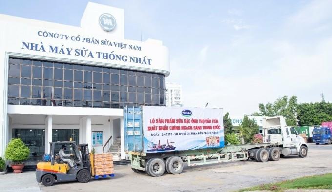 Lô sữa đặc Ông Thọ xuất khẩu đi Trung Quốc trong tháng 4/2020.