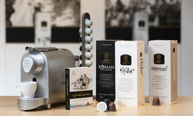 Trung Nguyên trực tiếp cung cấp tất cả các sản phẩm từ cà phê đến dụng cụ chế biến cà phê cho đối tác Amazon. Ảnh: Ánh Dương.