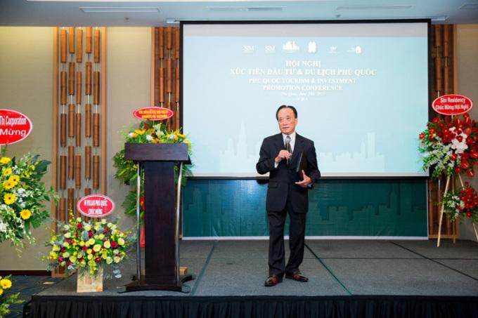 Chuyên gia kinh tế - Tiến sĩ Nguyễn Trí Hiếu phát biểu tại hội nghị.
