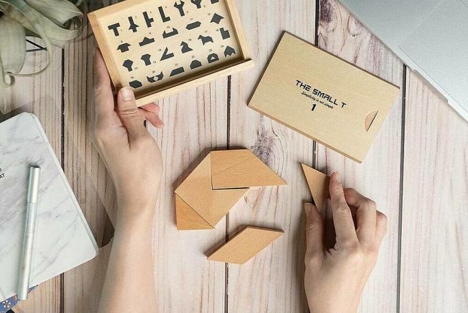 Tangram của Nguyễn Trường Giang sản xuất bằng gỗ. Ảnh: The Small T