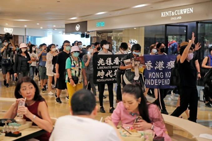 Dòng tiền từ Trung Quốc trấn an tương lai Hong Kong
