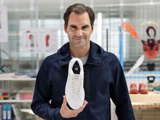 Hãng giày được Roger Federer rót vốn ăn nên làm ra mùa dịch