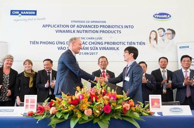 Vinamilk đẩy mạnh hợp tác quốc tế để ứng dụng các giải pháp tiên tiến trong nghiên cứu, phát triển sản phẩm dinh dưỡng dành cho người Việt.