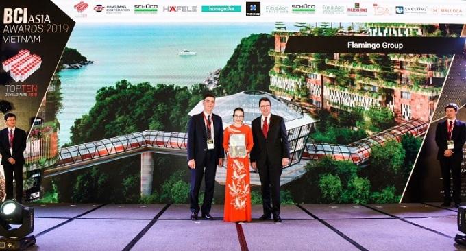 Năm 2019, Flamingo Holding Group được vinh danh top 10 chủ đầu tư, nhà phát triển hàng đầu Việt Nam tại BCI Asia Awards.