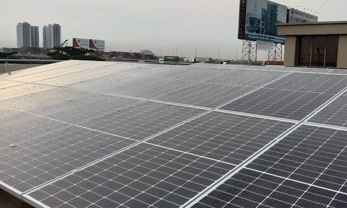 Điện mặt trời trên mái nhà xưởng