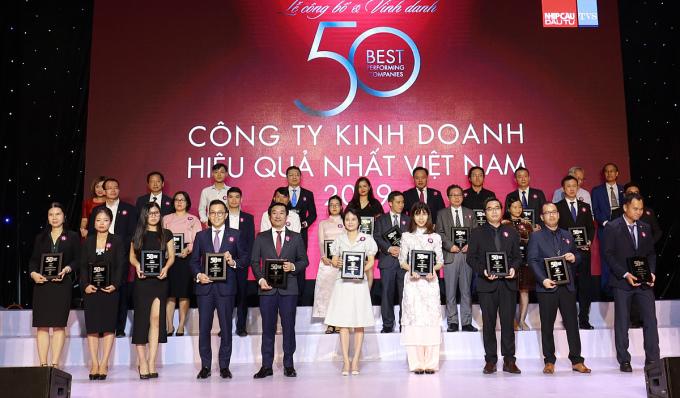 Vinamilk vào top 50 công ty kinh doanh hiệu quả nhất Việt Nam 9 năm liền.