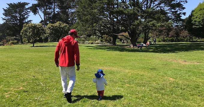 Sam Dogen và con trai tại Golden Gate Park, San Fancisco. Ảnh:Financial Samurai