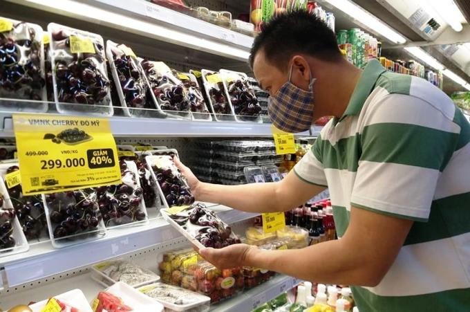 Cherry bán tại siêu thị ở TP HCM. Ảnh: Thi Hà.