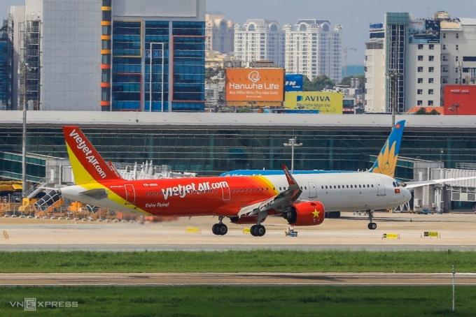 Máy bay của Vietjet hạ cánh tại sân bay Tân Sơn Nhất, tháng 6/2020. Ảnh: Quỳnh Trần.