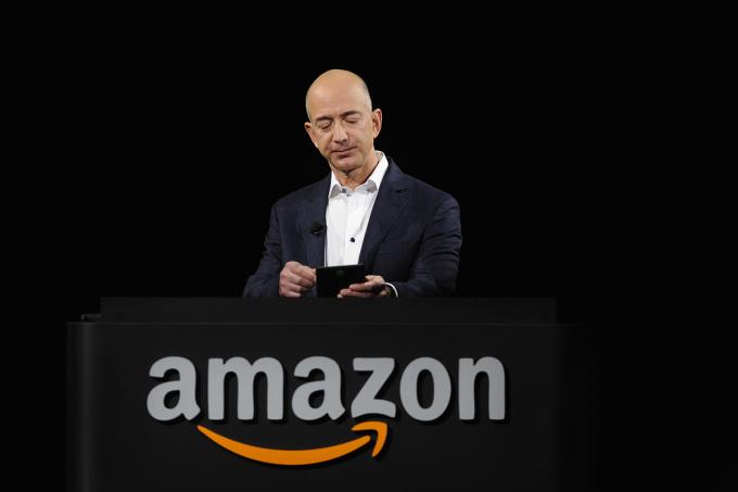 Ông chủ Amazon Jeff Bezos hiện giàu nhất thế giới. Ảnh: Reuters