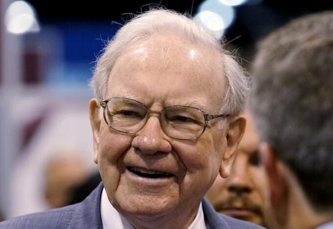 Tỷ phú đầu tư Warren Buffett trong một sự kiện. Ảnh:Reuters