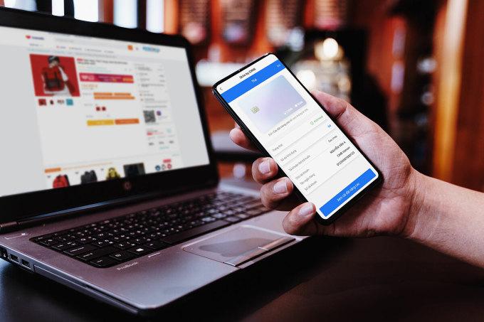 Giao hàng nhanh, thanh toán tiện là hai hướng đua nóng nhất của các nền tảng trực tuyến mùa Covid-19. Ảnh: Liên Hương