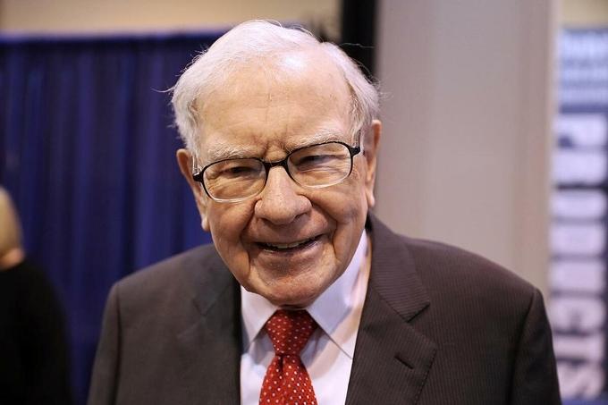 Warren Buffett trong đại hội cổ đông năm ngoái. Ảnh:Reuters