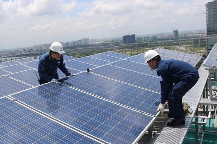 Thách thức khi 'đua' rót tiền vào điện mặt trời mái nhà