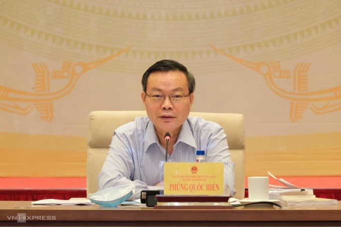 Phó chủ tịch Quốc hội Phùng Quốc Hiển phát biểu tại phiên giải trình về phát triển điện lực tới năm 2030, ngày 7/9. Ảnh: Hoàng Giang