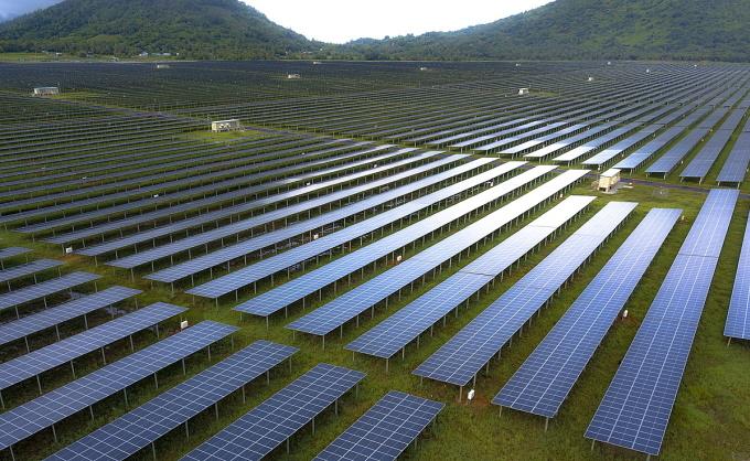 Nhà máy điện mặt trời Sao Mai giai đoạn 1 đi vào hoạt động từ 2019, góp phần thúc đẩy phát triển kinh tế cho cả vùng biên giới Tây Nam.