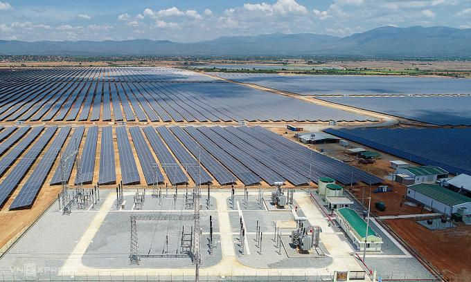 Cụm nhà máy Điện mặt trời tại xã Phước Minh huyện Thuận Nam tỉnh Ninh Thuận. Ảnh: Quỳnh Trần.