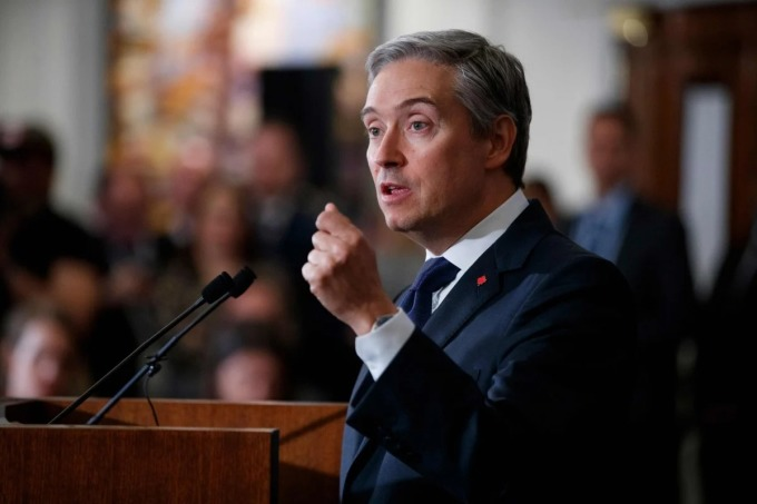 Ngoại trưởng Canada Francois-Philippe Champagne phát biểu trong một sự kiện ở London, Anh vào tháng 1/2020. Ảnh: AFP