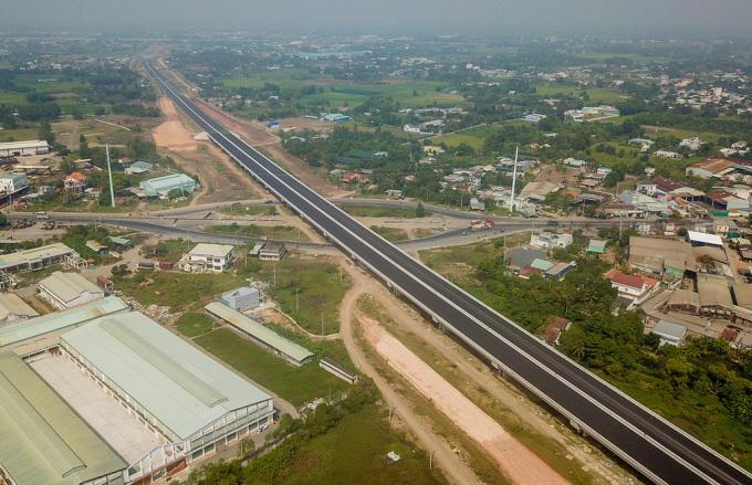 Một góc khu công nghiệp phía Tây TP HCM, theo hướng huyện Bình Chánh. Ảnh: Trần Quỳnh.